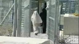 جدار الصهاينة يحاصر معظم سكان حي شرق القدس