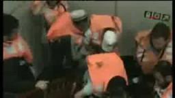 لحظات إقتحام سفن أسطول الحرية من الصهاينة وإستشهاد العديد من الناشطين
