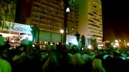 الاف المصريين يتظاهرون امام مسجد الفتح ميدان رمسيس وسط القاهرة احتجاجا على ضرب اسطول الحرية