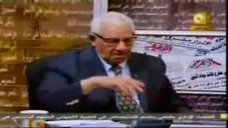 نقيب الصحفيين يهاجم احمد عز والوزراء في برنامج مانشيت