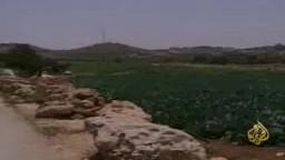 فلسطينيين بين الحرمان من المياه الاستيلاء عليها من قبل الصهاينة وبين  القمع الصهيوني