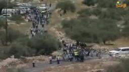 اعتداءات المتسوطنين الصهاينة على  أهالي بلدة نعلين الفلسطينية