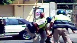 بلاغ للنائب العام يتهم ضابط و3 أمناء شرطة بالتعدى بوحشية على سائق بالدقهلة