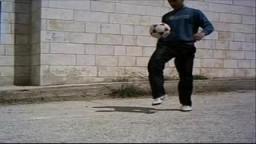 شاب فلسطيني يمتلك مهارات تفوق مهارات رونالدينهو فيديو خيالي -