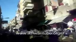لحظة الإعتداء والهجوم على أنصار مصباح وفاطمة موسى مرشحا الإخوان بكفر الشيخ 2010