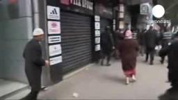 الشارع التونسي يدعو إلى استقالة لمبزع و الغنوشي