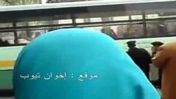 أم مصرية للأمن المصرى في مظاهرات 25 يناير أخص عليكم ضيعتوا مصر
