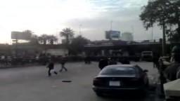 الأمن المصرى يضرب المتظاهرين تحت كوبرى أكتوبر