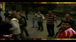 المتظاهرون بميدان التحرير يحمون المتحف المصرى من أى محاولات للسرقة أو النهب