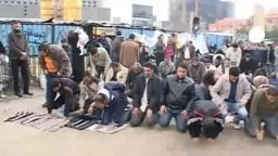 ارحل- كلمة كادت تنظق بها الجدران بميدان التحرير