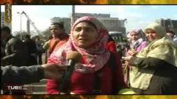 معيدة بالجامعة تشارك فى تنظيف ميدان التحرير
