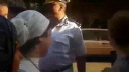 تعامل بعض ضباط الشرطة المصرية مع النساء في الشارع