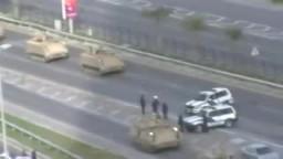 الجيش البحريني ينزل إلى الشارع