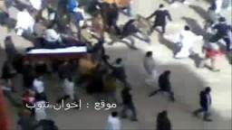 القذافى المجرم يقتل شعبة بالرصاص .. تشييع الشهداء بمقبرة بنغازي