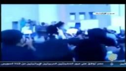 نظام المجرم معمر القذافي يقتل شعبه تشبثا بالحكم