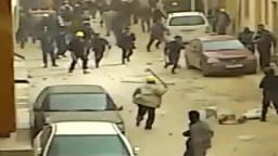 مرتزقة القذافى يرهبون المواطنين فى ليبيا ويقتحمون المنازل