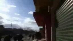 شاهد إطلاق النار على المتظاهرين في شوارع ليبيا