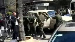 الأمن يندس بين متظاهري حمص السورية