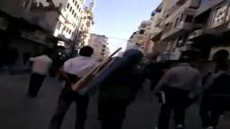 الشبيحة تهجم على المتظاهرين في اللاذقية