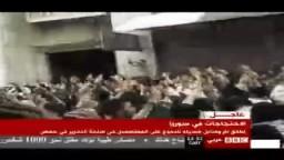 شاهد من سوريا :الأمن يمطر المعتصمين في حمص بالرصاص