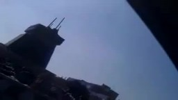 تمثال الصنم الهالك حافظ الاسد بعد هدمه في درعا - سوريا