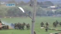 سوريا _الحراك دبابات الجيش تتمركز و قوى الأمن ترافقها لقمع المتظاهرين