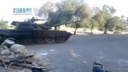 سوريا : دبابات الجيش تتحرك داخل درعا لقمع المتظاهرين