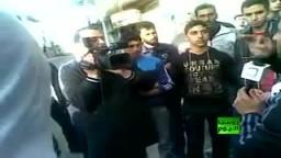 مواطن سوري يدلي بشهادتة امام عدسة الكاميرا