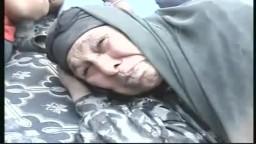 سوريا طرد عجوز فقيرة من بيتها الى الشارع