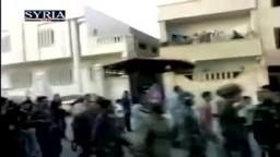 انشقاق عناصر من الجيش السورى وانضمامهم  للثوار