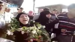 سوريا-- شاهد وداع أم لابنها الشهيد