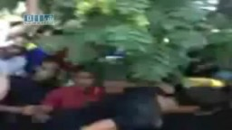 سوريا- اللاذقية - دفن الشهيد عامر ياسين الحوسة وبكاء الثوار بحرقة على الشهيد 16-7