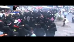 مسيره نسائيه غاضبة لما يحدث لشباب صنعاء