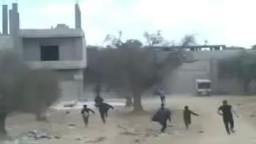 سوريا- المعضمية - الأمن يطارد المظاهرة الطلابية 25-9