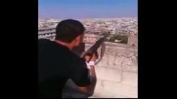 سوريا _الشبيحة الاسدية والقنص والتسلية على منازل المدنيين العزل