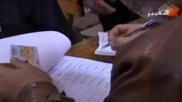المصريون يصوتون في جولة الإعادة