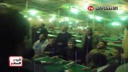 شباب الإخوان يحتفلون بفوزمرشحى حزب الحرية والعدالة  بـ 34 مقعدا داخل لجان الفرز
