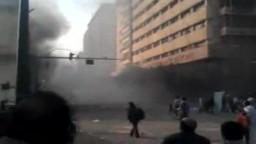 الاشتباكات في شارع القصر العيني منذ قليل