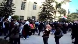 مسيرة جامعة القاهرة تهتف ضد المجلس العسكرى احتجاجاً على أحداث مجلس الوزراء ج2