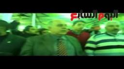 د. عمرو دراج يحتضن أ. عمرو الشوبكي بعد فوزه بالانتخابات