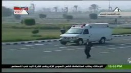لحظة وصول الرئيس المخلوع حسنى مبارك لإستئناف المحاكمة 4 يناير 2012