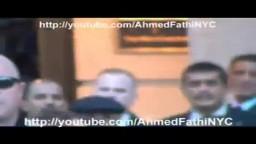 لحظة توجية الشتائم ل علي عبد الله صالح  أثناء تواجده  في نيويورك