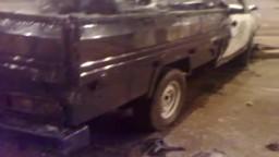عشرات من مواطنى اسوان يحرقون سياره للشرطة بعد مقتل احد اقاربهم
