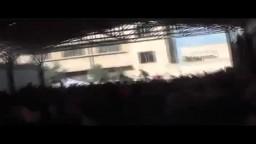 هاااام- مظاهرة حاشدة بها اطفال في عمر الزهور يوجهون للمسلمين رسالة وفجأة يتم القصف المدفعي  عليهم 2/ 3/ 2012