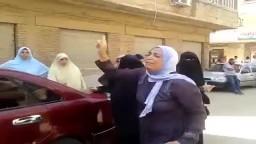 سيدة في حالة هستيرية بعد مقتل رافضو الانقلاب