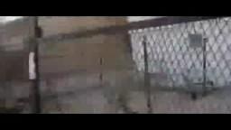 ضابط ملثم يطلق الرصاص على النساء- بئر العبد