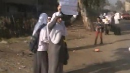 سلسلة ضد الانقلاب لطالبات معهد كوم النور