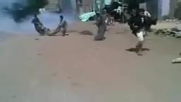مشاهد بشعه لإعتداء الانقلابيين علي مسيرة دلجا