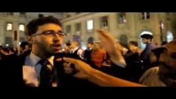 محامي يترك المحاكم ويتجه للتظاهر
