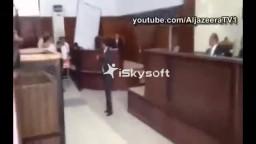 محمد صلاح سلطان يدخل المحكمة على سرير